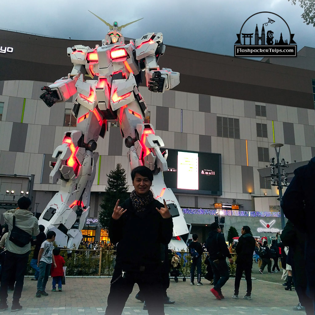 gundam-statue-odaiba-flashpacker-trips